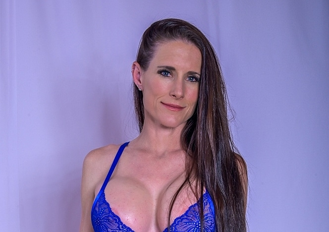 SofieMarieXXX/Milf Suit and Lingerie